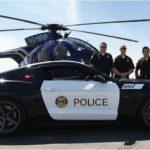 Saleen Mustang оделся в полицейскую форму
