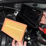 Как заменить воздушный фильтр на Рено Дастер